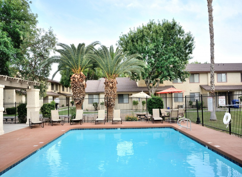 Camelot Apartments Resort-Style Pool